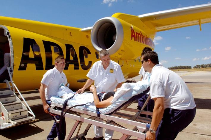 Hilfe für 750.000 Urlauber in Not ADAC Auslands-Notrufstationen ziehen Bilanz Unterstützung bei Verlust von Dokumenten und Geld
