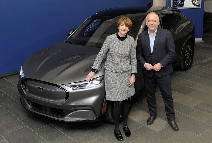 Oberbürgermeisterin Reker zu Besuch bei den Ford-Werken
