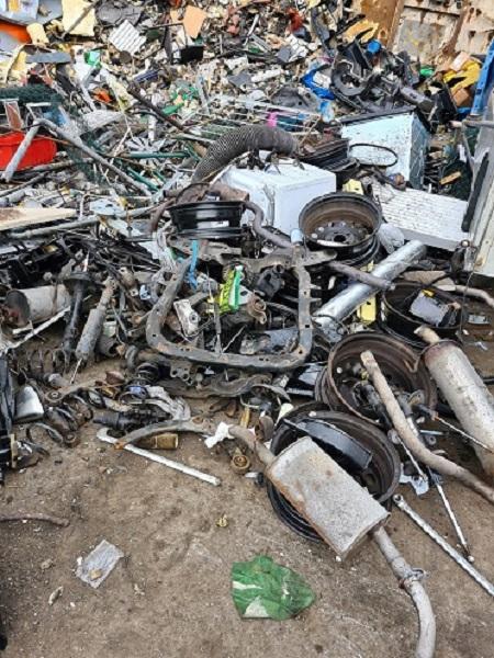 Altmetalle dem Recycling zuführen mit Schrottabholung Wuppertal