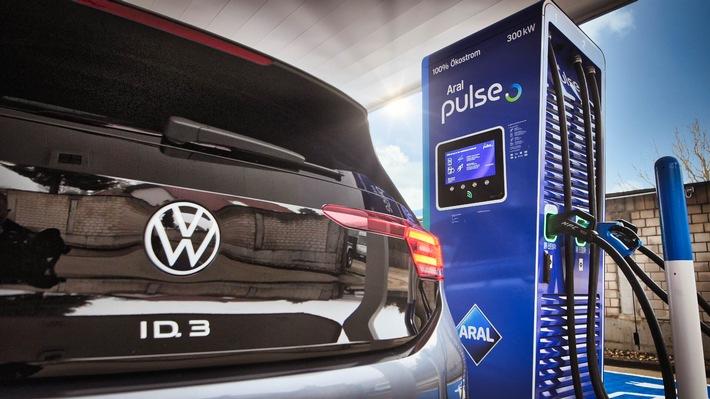 VW und Aral bündeln Kräfte beim Ausbau von ultraschnellem Laden von E-Fahrzeugen