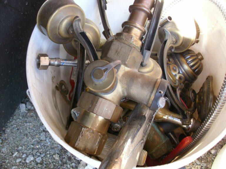 Ein wichtiger Part der das Recycling vorbereitenden Tätigkeiten wird von der Schrottabholung Herford übernommen